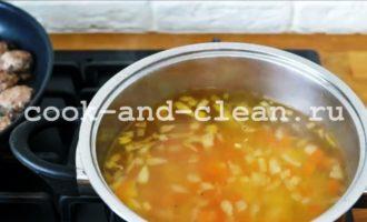 фото картофельного супа с фрикадельками