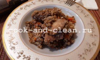 Гречка с курицей на сковороде