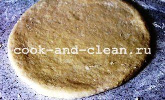 дрожжевой открытый пирог с яблоками пошагово с фото