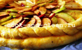 дрожжевой открытый пирог с яблоками рецепт пошагово