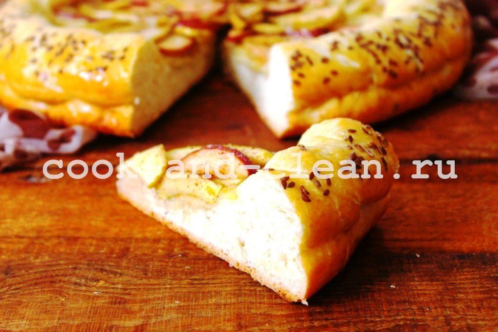 дрожжевой открытый пирог с яблоками рецепт