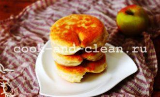 как приготовить пирожки с яблоками на сковороде