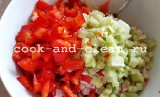крабовый салат с красным болгарским перцем