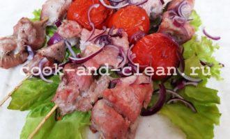 Шашлыки в духовке из свинины на шпажках