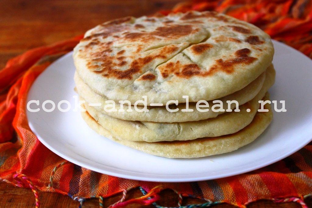 дрожжевые лепешки с сыром в духовке