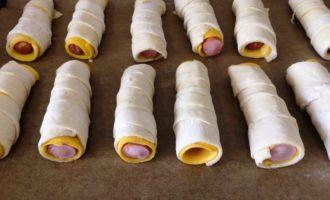 вкусные сосиски в слоеном тесте пошагово
