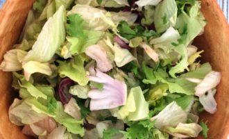 салат с креветками и перепелиными яйцами рецепт