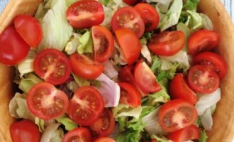 салат с креветками и перепелиными яйцами фото