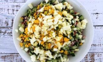 салат капуста крабовые палочки кукуруза яйца
