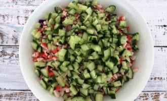салат с капустой и крабовыми палочками рецепт