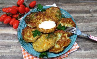 кабачки в кляре с сыром и сметаной