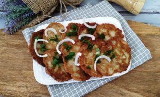 как приготовить оладьи из кабачков с луком