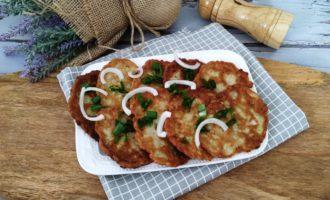 оладьи из кабачков с луком