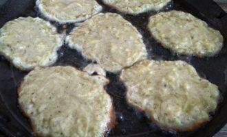 оладьи из кабачков с чесноком пошаговый