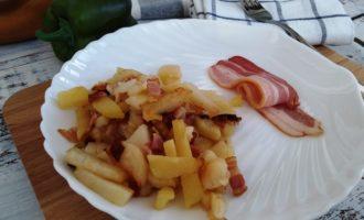 как приготовить жареная картошка с беконом