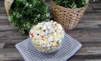 как приготовить крабовый салат с яйцом