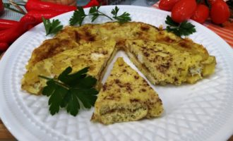 как приготовить омлет с картошкой