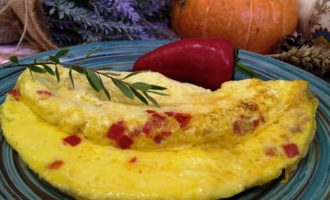 как приготовить омлет с перцем на сковороде