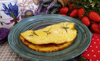 как приготовить омлет с сыром и молоком на сковороде