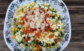 крабовый салат с яйцом пошагово