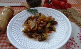 овощное рагу с куриными сердечками