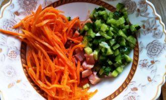 салат с копченой курицей и корейской морковкой рецепт с фото