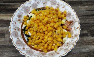салат с копченой курицей и кукурузой пошаговый