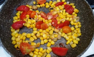 яичница с кукурузой с фото
