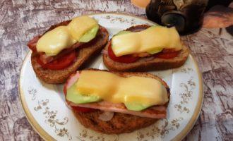 Горячие бутерброды с беконом