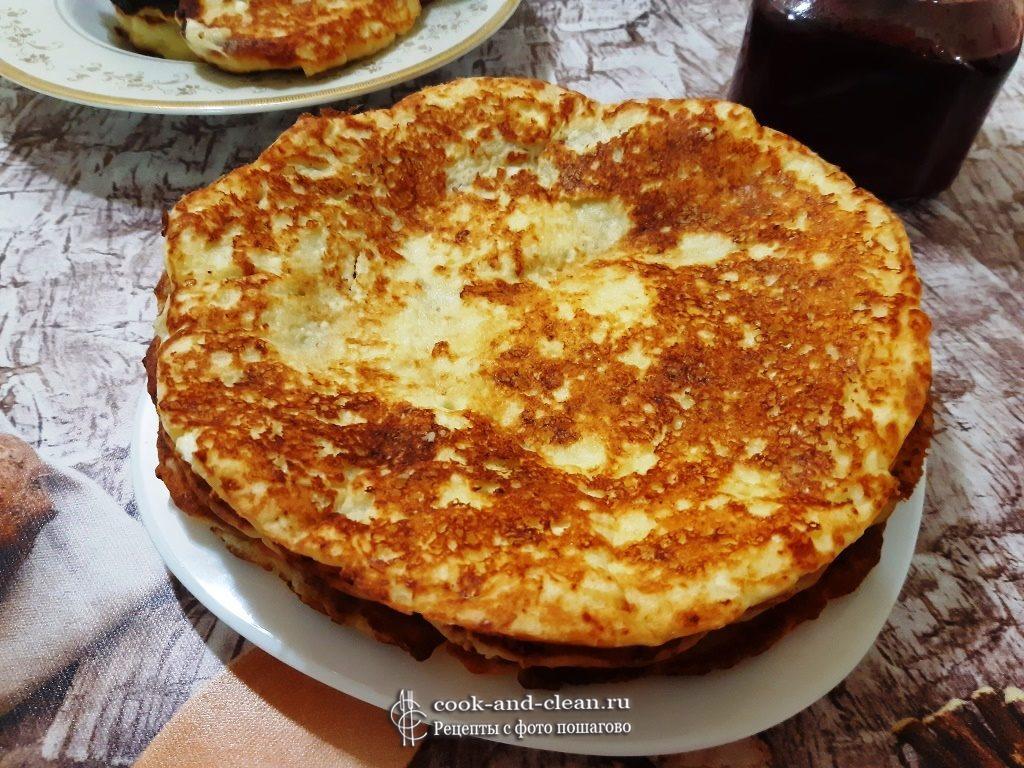 Творожные лепешки с сыром