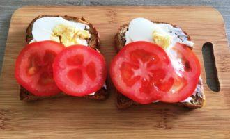 бутерброды с яйцом и шпротами рецепт с фото