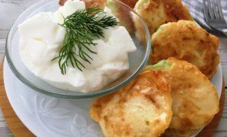 жареные кабачки в кляре с сыром