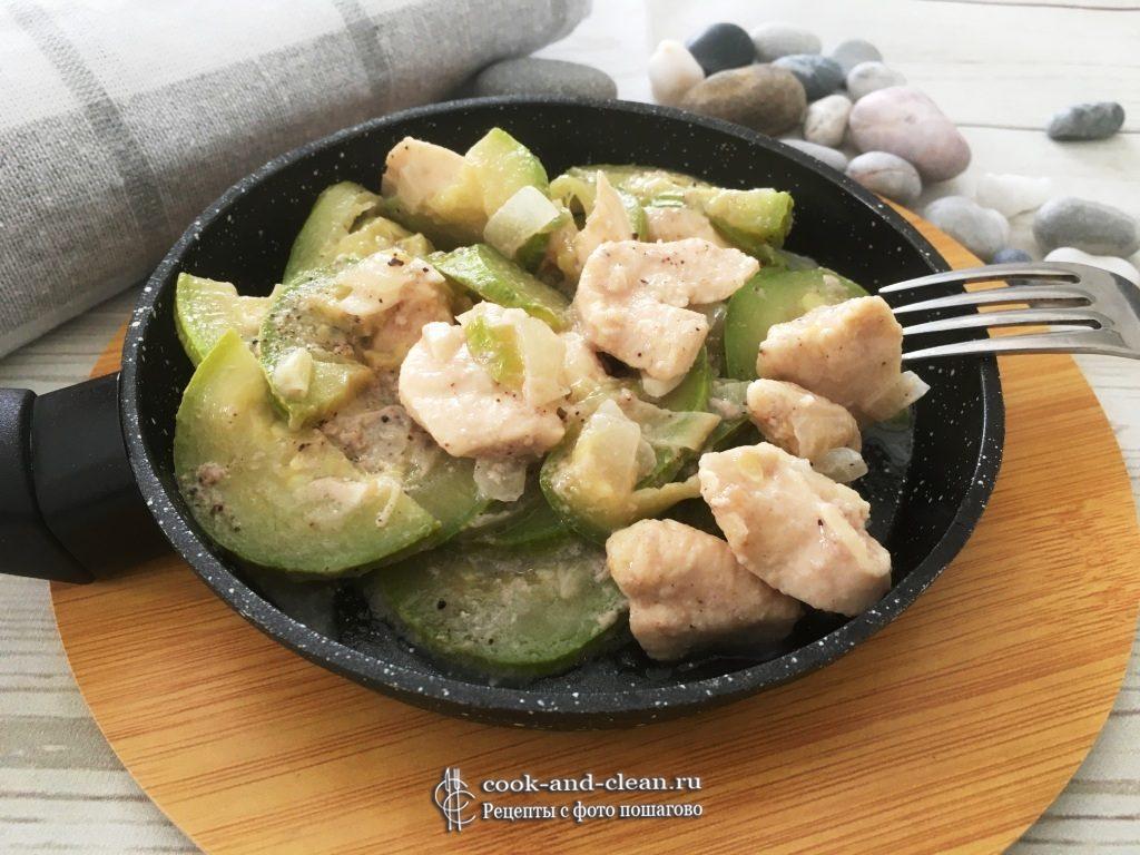 как приготовить курица с кабачками в сливочном соусе