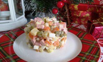 как приготовить салат оливье новогодний