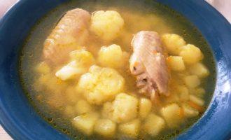 как приготовить суп из цветной капусты с курицей