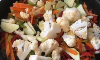 куриная печень с овощами рецепт с фото