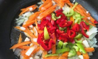 куриная печень с овощами с фото
