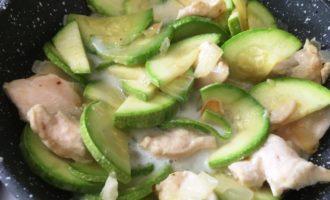 курица с кабачками в сливочном соусе пошаговый рецепт