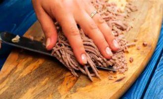 салат с говядиной и луком с фото