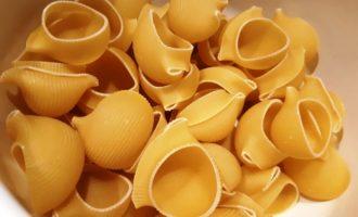 фаршированные макароны в сливочном соусе