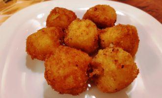 Картофельные шарики в панировке
