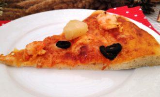 как приготовить пицца с креветками и ананасами