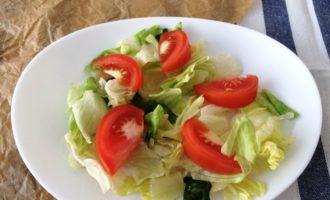 классический салат Цезарь фото