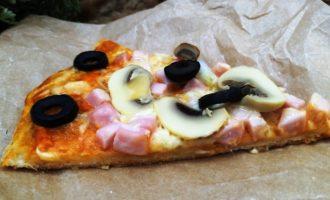 пицца с сыром и грибами