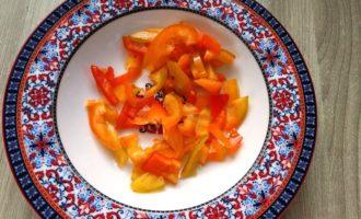 тушеная капуста с луком и помидорами рецепт