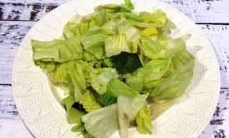 Салат Цезарь с креветками классический рецепт