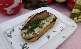 бутерброды со шпротами на батоне