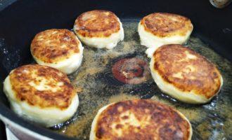 вкусные сырники с манкой пошагово с фото