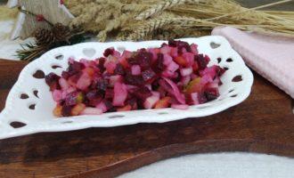 как приготовить винегрет с маринованным луком