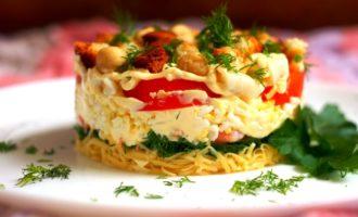 как приготовить слоеный салат с кальмарами